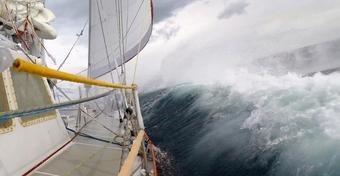 Sądzisz, że widziałeś i wiesz jak wygląda sztorm? To zobacz ten film... [WIDEO]